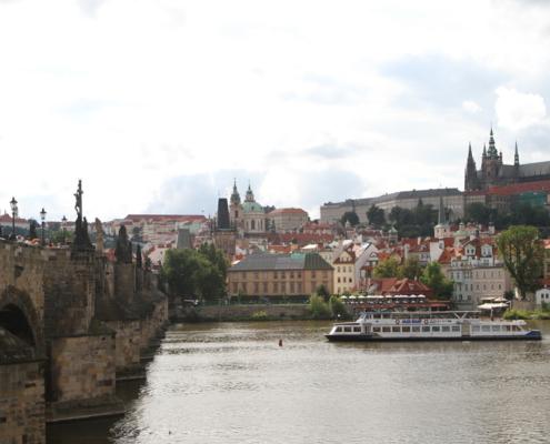 Karlsbrücke & St. Nicholas Kirche, Prag